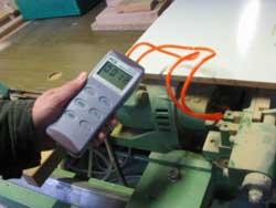 Fark Basınç Ölçüm Cihazı PCE-P15 / 30 / 50 ile makinedeki basıncı ölçerken