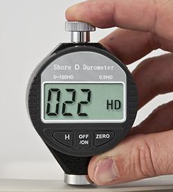 Dijital Durometre PCE-DD D'nin kullanım görüntüsü